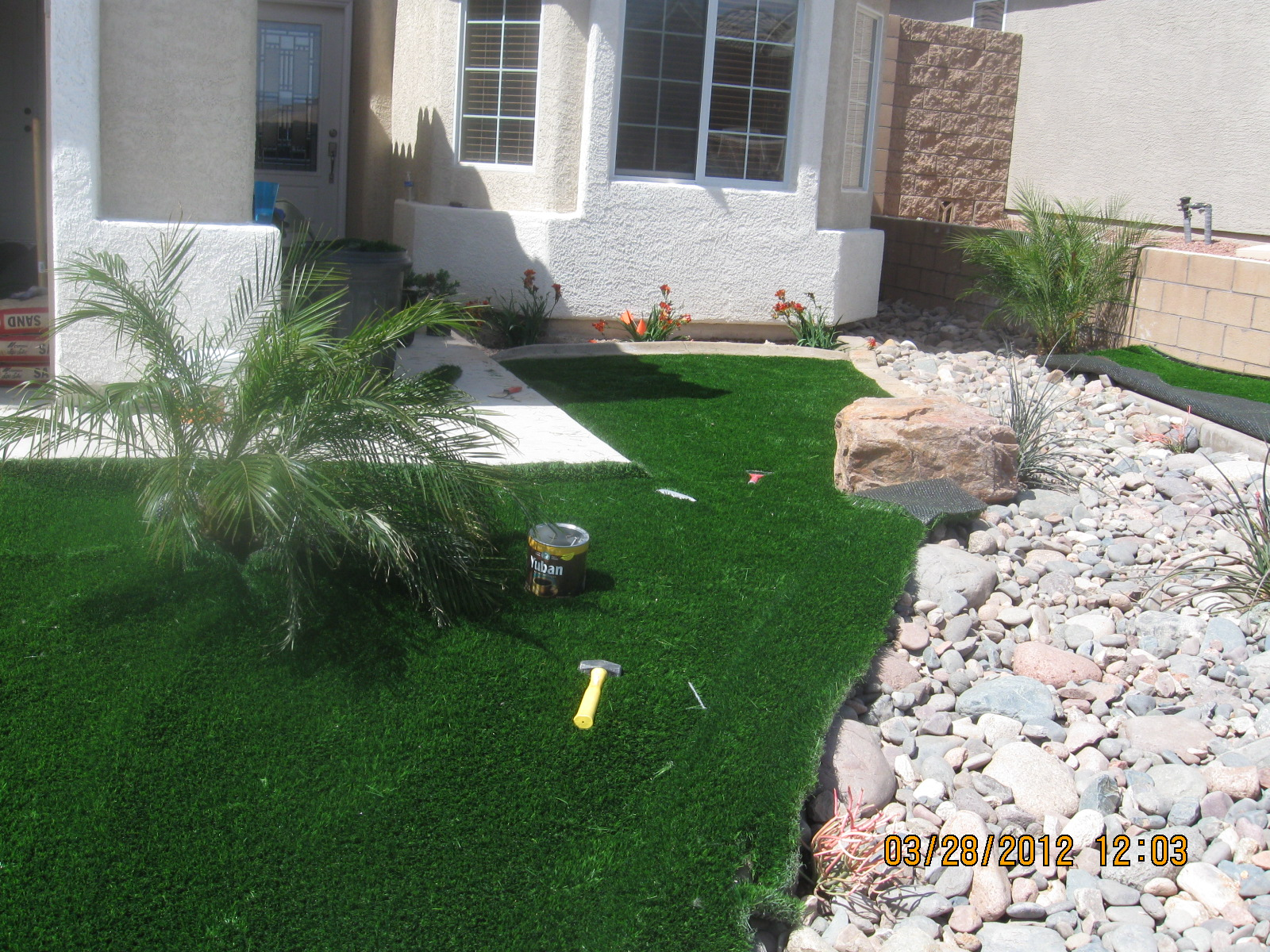 Do it yourself mojave curb turf diy install 1 solutioingenieria Image collections